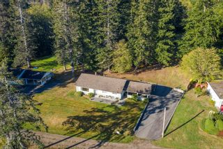 Photo 2: 6039 S Island Hwy in : CV Union Bay/Fanny Bay House for sale (Comox Valley)  : MLS®# 855956