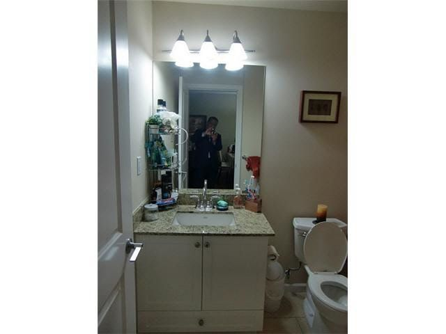 """Photo 8: Photos: 203 285 ROSS Drive in New Westminster: Fraserview NW Condo for sale in """"THE GROVE"""" : MLS®# R2127941"""