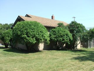 Photo 3: 42 Inman Avenue in WINNIPEG: St Vital Residential for sale (South East Winnipeg)  : MLS®# 1215433