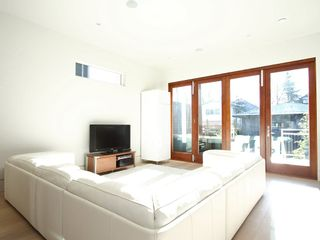 Photo 13: 856 W 19TH Avenue in Vancouver: Cambie House for sale (Vancouver West)  : MLS®# V950578