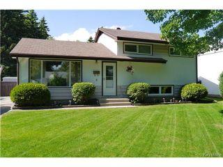 Photo 1: 5 Saturn Bay in Winnipeg: West Fort Garry Residential for sale (1Jw)  : MLS®# 1704507