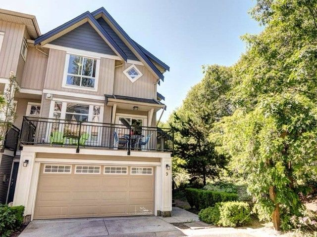 """Main Photo: 9 20120 68 Avenue in Langley: Willoughby Heights Townhouse for sale in """"The Oaks"""" : MLS®# F1443428"""