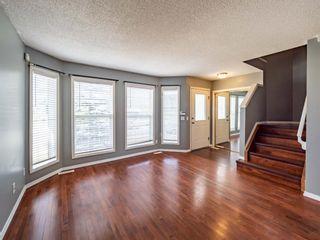 Photo 4: 623 Taradale Drive NE in Calgary: Taradale Detached for sale : MLS®# A1127134