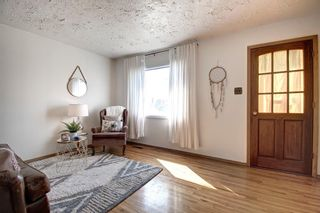 Photo 9: 7724 46 Avenue NW in Calgary: Bowness Detached for sale : MLS®# A1098212