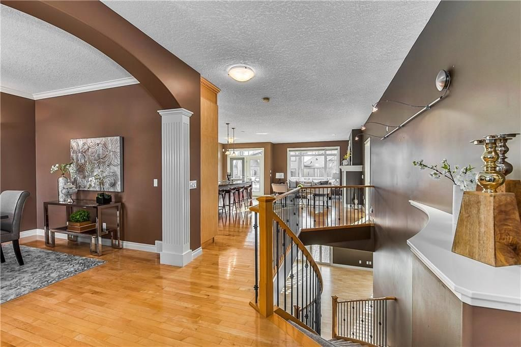 Photo 7: Photos: 73 DISCOVERY WOODS Villa SW in Calgary: Discovery Ridge Semi Detached for sale : MLS®# C4218779