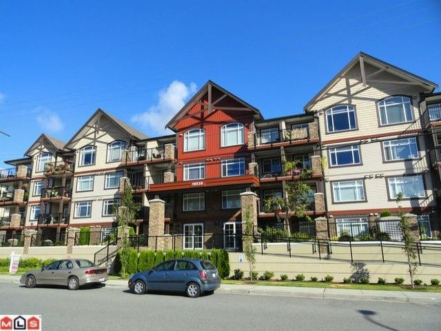 """Main Photo: 407 19939 55A Avenue in Langley: Langley City Condo for sale in """"MADISON CROSSING"""" : MLS®# F1222971"""