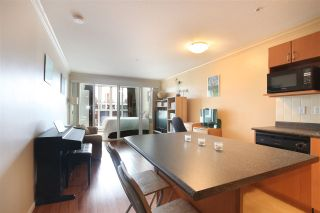 """Photo 1: 306 5629 DUNBAR Street in Vancouver: Dunbar Condo for sale in """"West Pointe"""" (Vancouver West)  : MLS®# R2051886"""