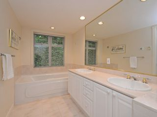 """Photo 12: 110 1140 STRATHAVEN Drive in North Vancouver: Northlands Condo for sale in """"Strathaven"""" : MLS®# R2178970"""