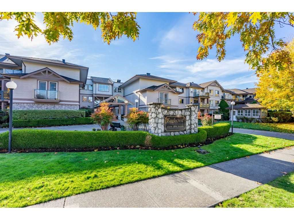 "Main Photo: 315 22150 48 Avenue in Langley: Murrayville Condo for sale in ""Eaglecrest"" : MLS®# R2514880"