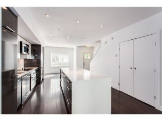 Photo 4: 5655 Chaffey Av in Burnaby South: Central Park BS Townhouse for sale : MLS®# V1063980