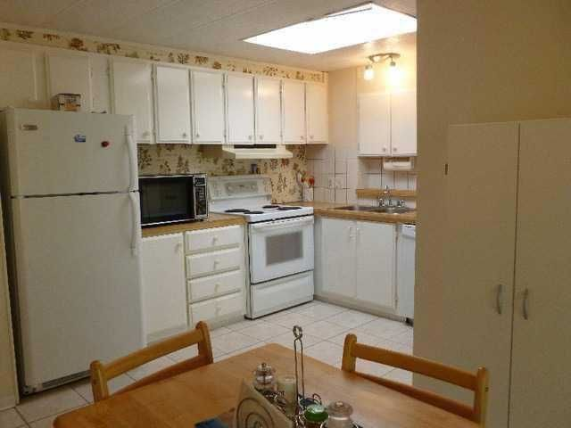 """Main Photo: 2 15875 20 Avenue in Surrey: King George Corridor Manufactured Home for sale in """"Searidge Bay"""" (South Surrey White Rock)  : MLS®# F1317451"""