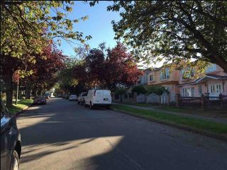 Photo 4: 1036 NOOTKA Street in Vancouver: Renfrew VE House for sale (Vancouver East)  : MLS®# R2020669