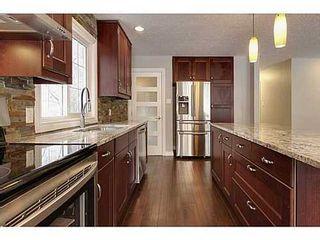 Photo 6: 8007 7 Street SW in Calgary: Bungalow for sale : MLS®# C3595147