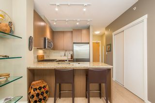 """Photo 8: 202 135 W 2ND Street in North Vancouver: Lower Lonsdale Condo for sale in """"CAPSTONE"""" : MLS®# R2547001"""