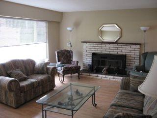 Photo 3: 5499 Chestnut Cr in Ladner: Home for sale : MLS®# V829978