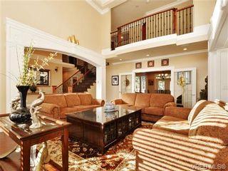 Photo 3: 804 Alvarado Terr in VICTORIA: SE Cordova Bay House for sale (Saanich East)  : MLS®# 722760