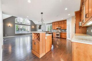 Photo 6: 729 MASSEY Way in Edmonton: Zone 14 House for sale : MLS®# E4257161