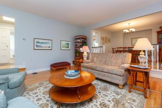 Photo 5: 900 Woodhall Dr in Saanich: SE High Quadra House for sale (Saanich East)  : MLS®# 840307