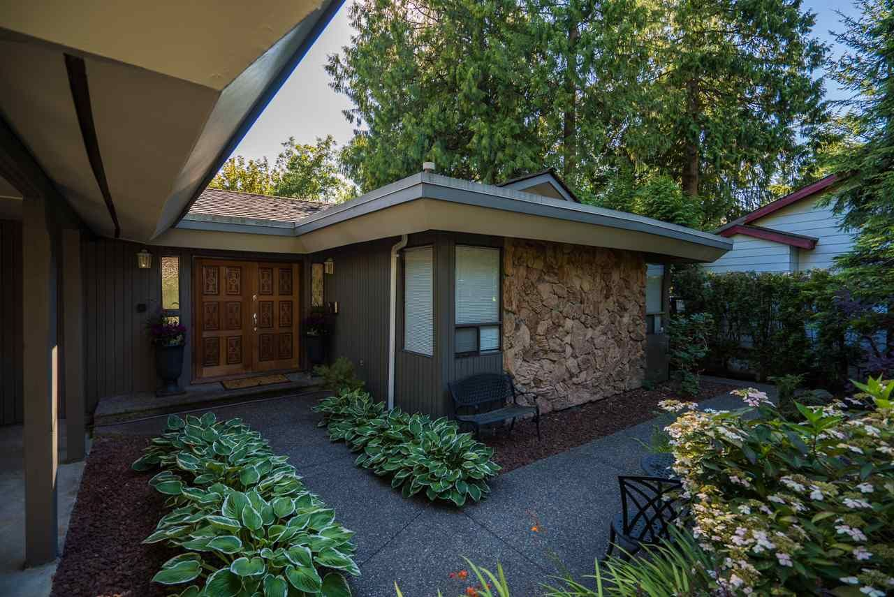 Main Photo: 10 SYMMES Bay in Port Moody: Barber Street House for sale : MLS®# R2095986