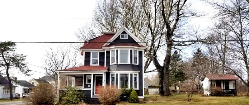FEATURED LISTING: 61 Victoria Street West Amherst