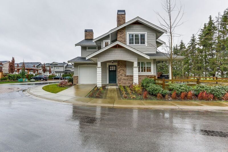 """Main Photo: 81 12161 237 Street in Maple Ridge: East Central Townhouse for sale in """"VILLAGE GREEN"""" : MLS®# R2226728"""