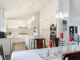 """Photo 14: 587 W KING EDWARD Avenue in Vancouver: Cambie Townhouse for sale in """"JAMES RESIDENCE"""" (Vancouver West)  : MLS®# R2537952"""