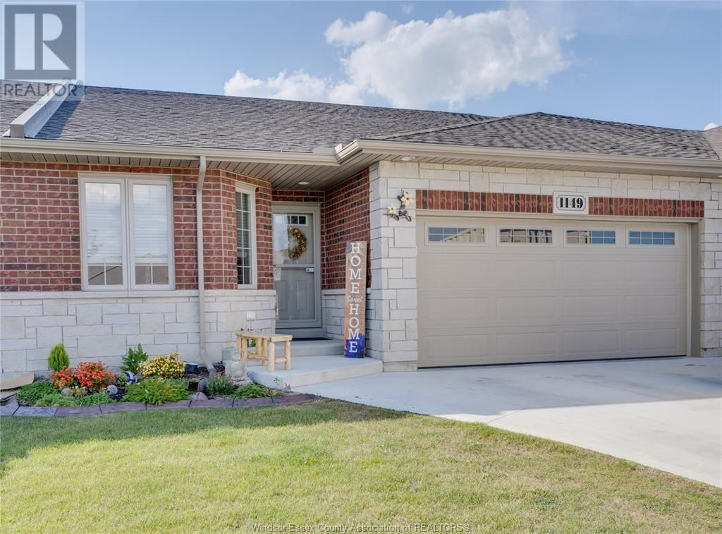 Main Photo: 1149 BRIDALFALLS in Windsor: House for sale : MLS®# 21017206