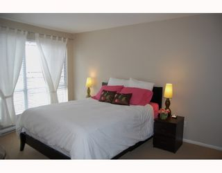 "Photo 6: 25 788 W 15TH Avenue in Vancouver: Fairview VW Townhouse for sale in ""16 WILLOWS"" (Vancouver West)  : MLS®# V756826"