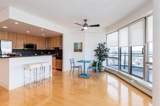 Photo 7: 2504 1078 6 Avenue SW in Calgary: Downtown West End Apartment for sale : MLS®# C4264239