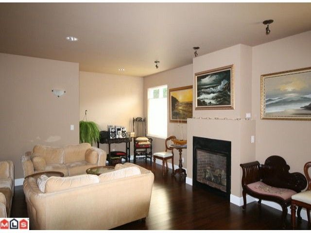 Photo 5: Photos: 15430 ROPER Avenue: White Rock House for sale (South Surrey White Rock)  : MLS®# F1221507