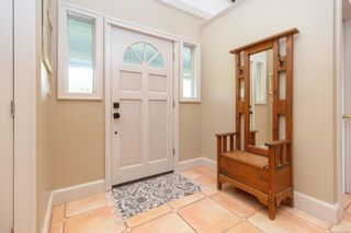 Photo 3: 6315 Clear View Rd in : CS Martindale House for sale (Central Saanich)  : MLS®# 871039