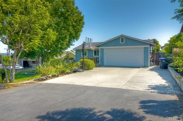 Main Photo: 1005 Maryland Dr in Vista: Residential for sale (92083 - Vista)  : MLS®# 200043146