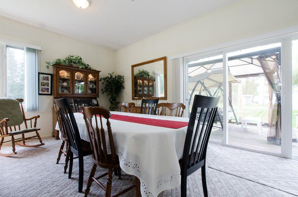 Photo 13: Photos: 24700 50 Avenue in Langley: Salmon River House for sale