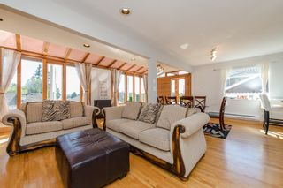 Photo 12: 968 CHARLAND Avenue in Coquitlam: Central Coquitlam 1/2 Duplex for sale : MLS®# R2114374