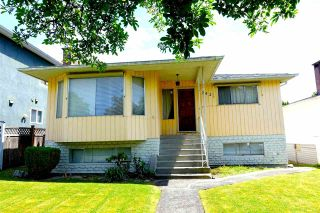 Main Photo: 7062 VIVIAN Drive in Vancouver: Fraserview VE House for sale (Vancouver East)  : MLS®# R2590205