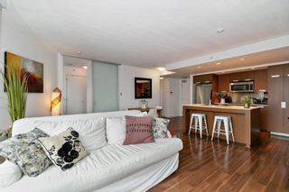 """Photo 4: 1002 1255 SEYMOUR Street in Vancouver: Downtown VW Condo for sale in """"The Elan by Cressey"""" (Vancouver West)  : MLS®# R2292317"""