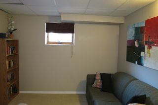 Photo 4: 28 Rothshire Drive in Winnipeg: Transcona Residential for sale ()