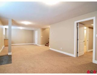 """Photo 8: 21186 83A Avenue in Langley: Willoughby Heights House for sale in """"YORKSON"""" : MLS®# F2805996"""