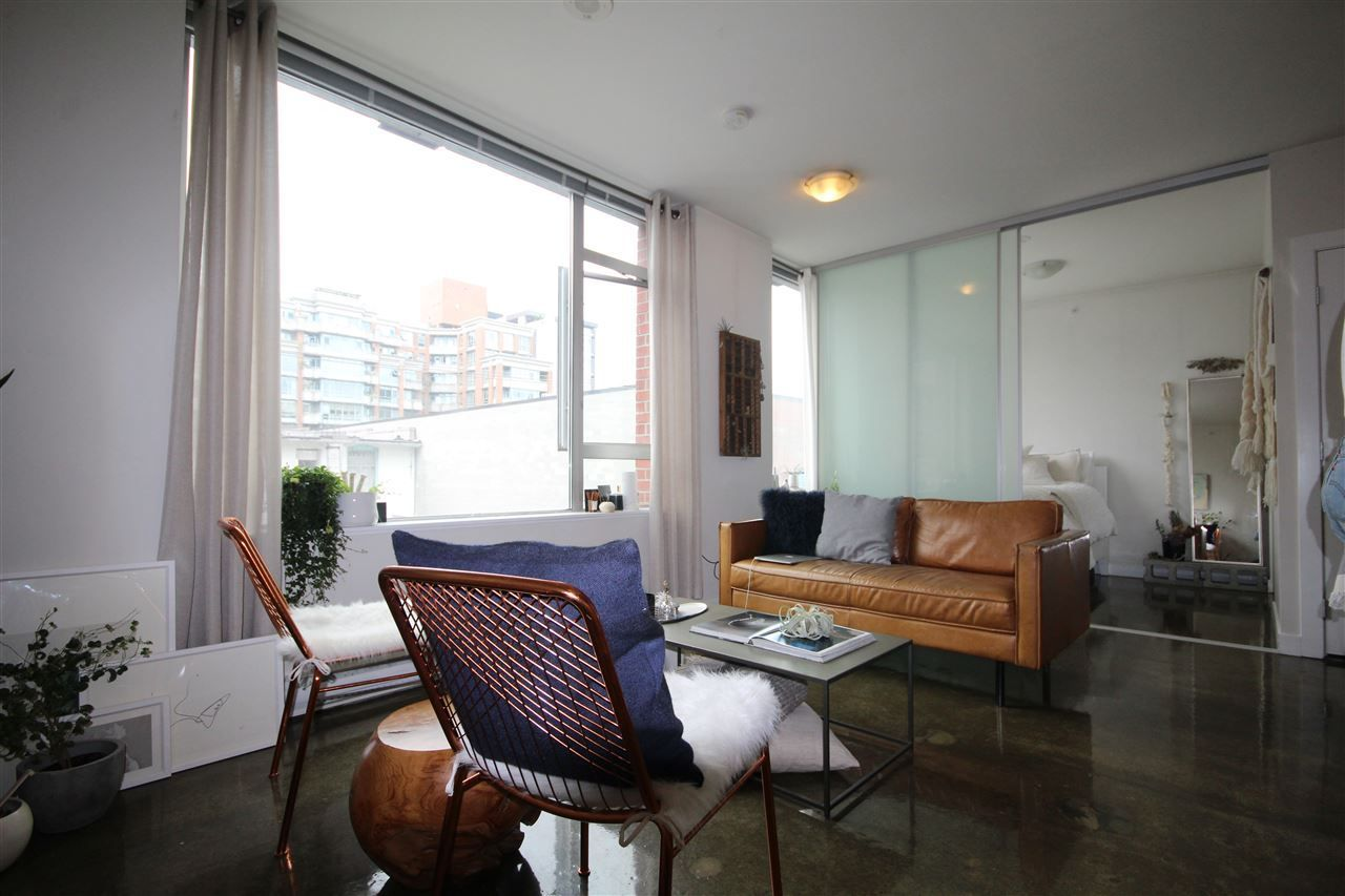 """Main Photo: 408 221 UNION Street in Vancouver: Mount Pleasant VE Condo for sale in """"V6A"""" (Vancouver East)  : MLS®# R2284454"""