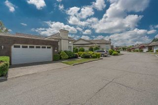 """Photo 2: 24 31450 SPUR Avenue in Abbotsford: Abbotsford West Townhouse for sale in """"LakePointe Villas"""" : MLS®# R2183756"""