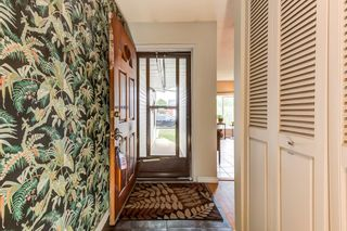 Photo 3: 2028 49A Street in Edmonton: Zone 29 House for sale : MLS®# E4250386