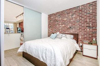"""Photo 5: 303 2141 E HASTINGS Street in Vancouver: Hastings Sunrise Condo for sale in """"The Oxford"""" (Vancouver East)  : MLS®# R2431561"""