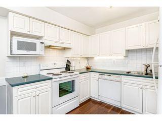 "Photo 4: 55 8892 208 Street in Langley: Walnut Grove Townhouse for sale in ""Hunters Run"" : MLS®# R2435766"