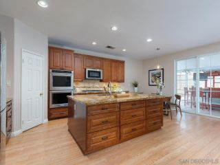 Photo 5: EL CAJON House for sale : 5 bedrooms : 13942 Shalyn Dr