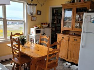 Photo 11: 10 Beatrice Street in Louisbourg: 206-Louisbourg Residential for sale (Cape Breton)  : MLS®# 202113603