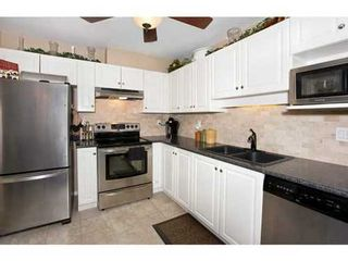 Photo 4: 108 15895 84 Ave in Surrey: Fleetwood Tynehead Home for sale ()  : MLS®# F1422946