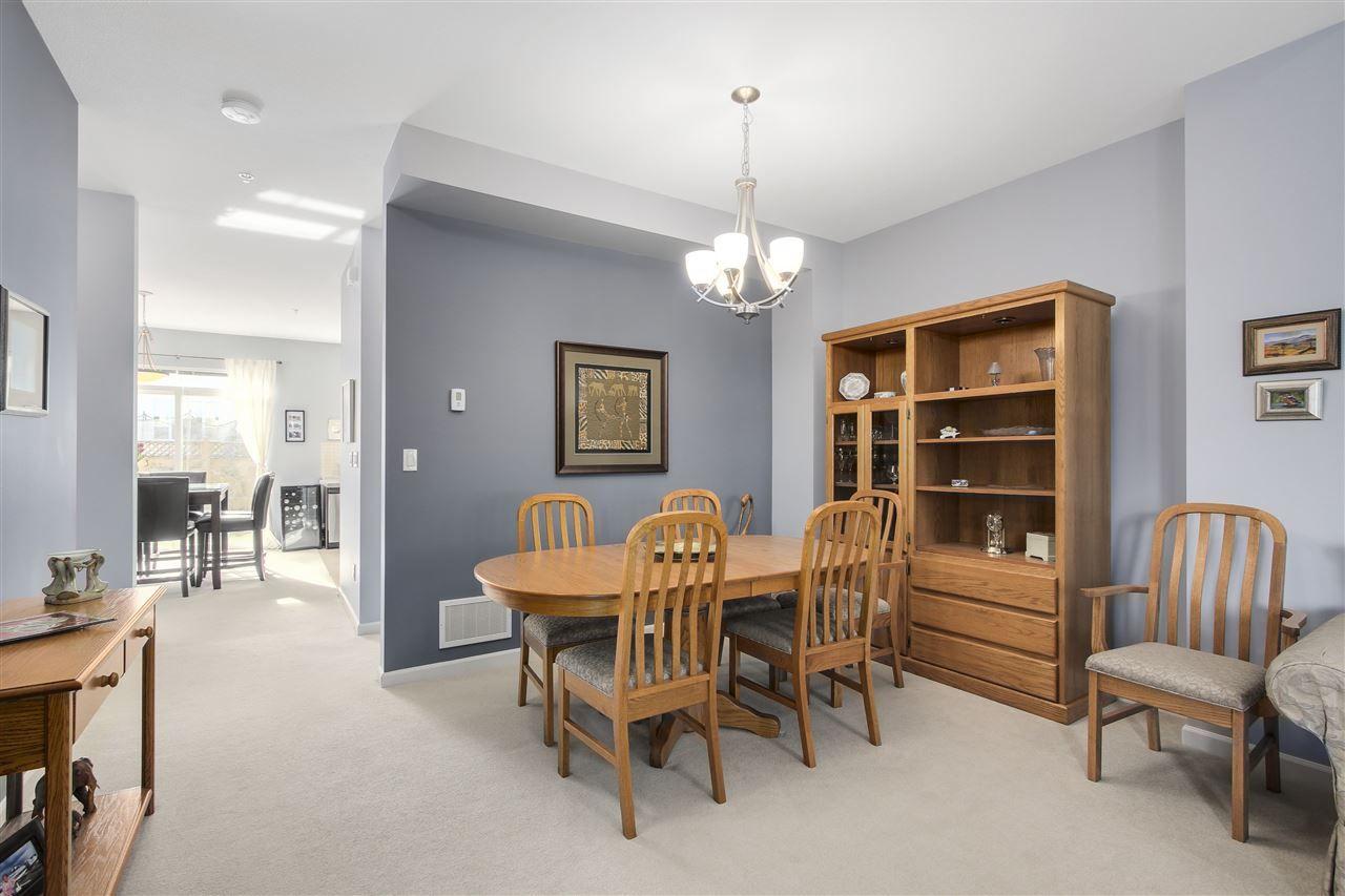 "Photo 4: Photos: 24110 HAWKINS Avenue in Maple Ridge: Albion House for sale in ""MAINSTONE CREEK"" : MLS®# R2140724"
