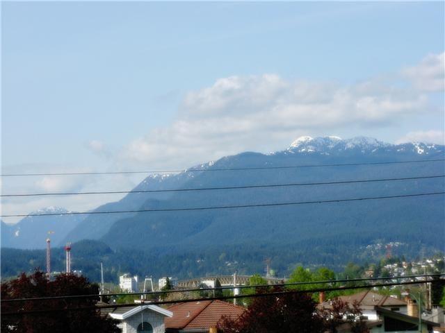 Photo 9: Photos: 2933 GRAVELEY Street in Vancouver: Renfrew VE House for sale (Vancouver East)  : MLS®# V993661