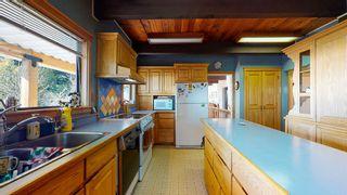 "Photo 10: 5359 BENNER Road in Sechelt: Sechelt District House for sale in ""SELMA PARK"" (Sunshine Coast)  : MLS®# R2565678"