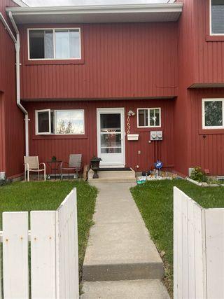 Photo 2: 10636 Beaumaris Road in Edmonton: Zone 27 Townhouse for sale : MLS®# E4249112